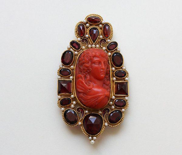 neo renaissance brooch